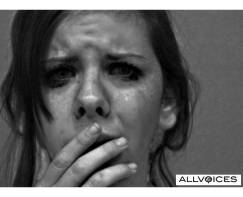 40396694-woman-crying